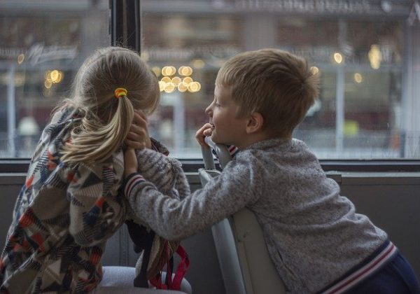 איך להעסיק ילדים בזמן נסיעות ארוכות?